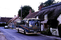 SouthWestCs-A109EPA-Muchelney-2000KNa (Michael Wadman) Tags: a109epa leylandtiger muchelney lcbs tp9 londoncountry londoncountrybusservices southwestcoaches