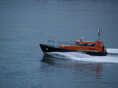 Pilot Boat 4 (divnic) Tags: ni northernireland ireland countyantrim belfast belfastlough lochirish boat belfastloch irishsea ship pilotboat wake pb4 halmaticnelson44 ferranportservices fps