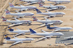 Untitled (United Airlines) Boeing 747-400; N174UA@VCV;29.01.2018 (Aero Icarus) Tags: victorville vcv southerncalifornialogisticsairport plane avion aircraft flugzeug planeboneyard unitedairlines boeing747400 n174ua