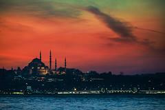 Different light (Melissa Maples) Tags: istanbul turkey türkiye asia 土耳其 nikon d3300 ニコン 尼康 nikkor afs 18200mm f3556g 18200mmf3556g vr üsküdar evening dusk boğaz sea bosphorus water shoreline skyline mosque autumn strait