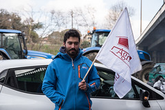 Blocked ring road by farmers - Toulouse - France - 7/02/2018 (patrickbatard) Tags: fdsea fnsea agriculteur drapeau manifestation périphérique rocade