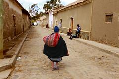 Petite rue dans la vieille ville de Sucre. (jmboyer) Tags: bo0216 bolivie bolivia travel ameriquedusud canon voyage ©jmboyer nationalgeographie potosi portrait canon6d yahoophoto géo yahoo photoyahoo face visage flickr photos southamerica sudamerica photosbolivie boliviafotos bolivien bolivienne tribal canonfrance eos nationalgeographic googlephotos instagram