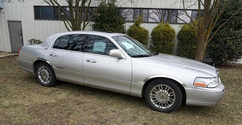 2007 Lincoln Town Car Signature Limited ($5,712.00)
