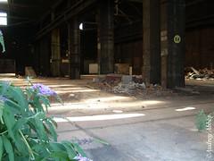 Hangar désaffecté 2 (Audrey Abbès Photography ॐ) Tags: usine babcock friche fricheindustrielle paris ancienneusine panneau panneaudaffichage lacourneuve urbex hangar hangardésaffecté abandonedshed