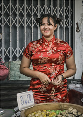 Red Dress (christophe plc) Tags: girl thai street canon eos 6dm2 6dmark2 6dmarkii food fooding thailande thailand picture