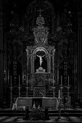 La Luz del Mundo II (EDU S.G.) Tags: luz light cristo cruz crucificado cross altar altarpiece blancoynegro blackandwhite iglesia church capilla chapel jaen andalucia andalusia españa spain darkness oscuridad catholic nikon d700 sanildefonso religion
