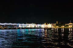 Willemstad at Night (FOXTROT|ROMEO) Tags: aida cruise kreuzfahrt schiff ship boat willemstad curacao travel reisen dolphins dolphin delfin night nacht longexposure house architecture caribbean karibik