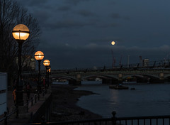 The eclipse wasn't visible from London, but I did get to see the blue supermoon set over the Thames. (Big Ben in Japan) Tags: london millenniumbridge night supermoon uk