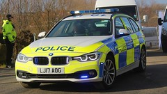 LJ17 AOG (Ben Hopson) Tags: northumbria police np 2017 bmw 330d estate traffic car convey coaches buses safc mfc sunderland football club middlesborough stadium light new blue lights lj17 lj17aog cdsou west yorkshire
