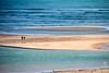 En medio de la inmensidad (Chaguaceda Fotografias) Tags: algarve arena azul blanco cacelhavelha costa mar paisajemarinero parejas playa portugal serenidad 7dwf