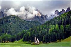 Villnöß im Herbst (angelofruhr) Tags: alpen bergpanorama dolomiten