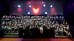 Coeur de Zicos (mifranc91) Tags: concert coulisses d700 lumières nikon scène spectacle troupe zicos