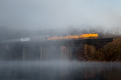 Sucker hole (Jordan Hood) Tags: ns norfolksouthern up unionpacific ge intermodal sunrise river fog georgia southcarolina
