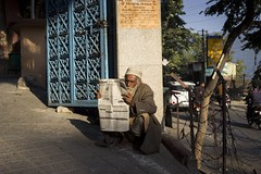 Rishikesh (BALAJI SEETHARAMAN) Tags: sadhu life india street streetphotography read people light balajiseetharaman