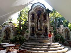 Altar (shrine) fountain (brisa estelar) Tags: altar fountain tiles architecture mexico yucatan valladolid travel colonial outdoor fuente azulejos arquitectura restaurante casona