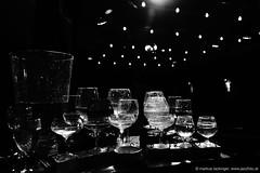 Ben Jeger´s Glasharfe (jazzfoto.at) Tags: wwwjazzfotoat wwwjazzitat stuckyconcarne jazzitsalzburg jazzitmusikclubsalzburg jazzitmusikclub jazzfoto jazzfotos jazzphoto markuslackinger jazzinsalzburg jazzclubsalzburg jazzkellersalzburg jazzclub jazzkeller jazzit2018 jazz jazzlive livejazz konzertfoto concertphoto liveinconcert stagephoto greatjazzvenue greatjazzvenue2018 downbeatgreatjazzvenue salzburg salisburgo salzbourg salzburgo austria autriche blitzlos ohneblitz noflash withoutflash sony sonyalpha sonyalpha77ii alpha77ii sonya77m2 sw bw schwarzweiss blackandwhite blackwhite noirblanc bianconero biancoenero blancoynegro zwartwit gläserspiel glasharfe glassharp harpeverre arpadecristal harpadevidro