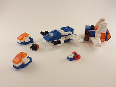 Microscale Deep Freeze Defender (6973) (Sam Le Pirate 1984) Tags: lego space iceplanet2002 microscale moc competition brickset spaceship
