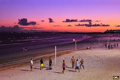 Footvolley at the sunset (Otacílio Rodrigues) Tags: pôrdosol praia pessoas céu água mar cabofrio futevôlei footvolley areia sand brasil oro jogadores players jogo match nuvens clouds