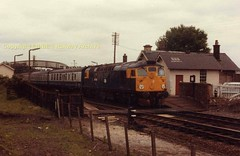 Kirkconnel_26026_arrives_on_a_Glasgow_service (Ernies Railway Archive) Tags: kirkconnelstation gswr lms scotrail