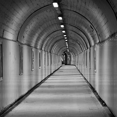 tunnel (RobertsNL) Tags: 7daysofshooting week33 simplicity blackandwhitewednesday