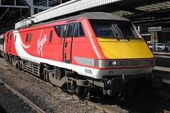 91125 (Rob390029) Tags: 91125 vtec virgin trains east coast class 91 train track tracks rail rails loco electric transport transportation travel newcastle central railway station ncl ecml mainline