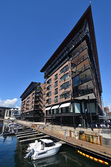 Aker Brygge (Thomas Roland) Tags: building housing flat akers brygge dok arkitektur architecture contemporary ø holm oslo city stadt boat båd ship habour habourfront europe europa travel rejse holiday tourist tourism norway norge noreg