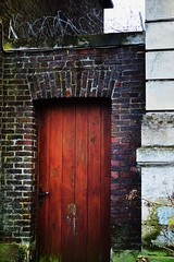 """Voir Yvetot et Mourir"" - Gustave Flaubert (Corinne Lejeune Girot) Tags: yvetot ville city rue street ancien old monument discover"