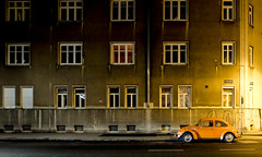 King Of The Road (CoolMcFlash) Tags: vw bug car volkswagen alone parked vienna night building facade window fujifilm x30 street käfer auto alleine parken wien nacht gebäude fassade fenster strase fotografie photography city stadt urban retro