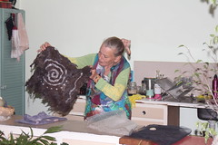 IMG 8570 (Eminpee Fotography) Tags: felting friends people craft fibreart wool