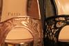 Paris aux pieds (Pi-F) Tags: chaussure louboutin luxe semelle paris cuir dentelle or noir bokeh macro closeup paire 2 pied texture détail