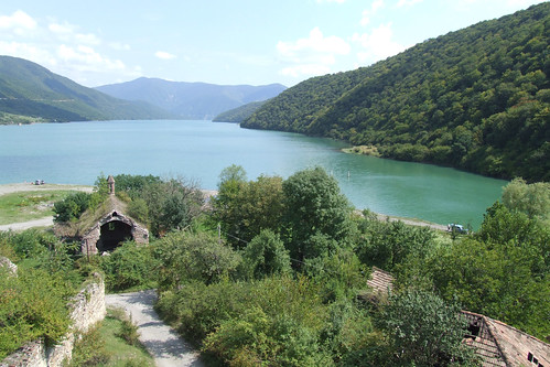 Zhinvali Reservoir, as seen from Ananuri, 28.08.2013.
