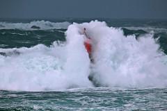Marco BP (52) (marcbihanpoudec) Tags: tempête balise brividic vagues porspoder bretagne