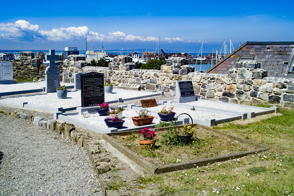 BACK IN JANUARY 2009 I VISITED THE OLD GRAVEYARD IN HOWTH [I HAD TO LEAVE BECAUSE I WAS ATTACKED BY GULLS]-135888