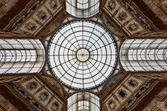 504201801bMILANO-52 (GIALLO1963) Tags: simmetry places piazzadelduomo architettura liberty galleriavittorioemanuele galleria milan ngc canoneos5ds canonef1124mm14l milano architecture culture europe italy street