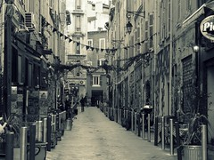 Marsiglia - Marseille (fotomie2009) Tags: francia gennaio 2018 marsiglia france marseille provence provenza monocromo monochrome cross textured explore old style street