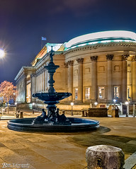 Steble Fountain and St George's Hall (Bob Edwards Photography - Picture Liverpool) Tags: stgeorgeshall plateau liverpool bobedwardsphotography merseyside neoclassical building architecture limestreet williambrown culturalquarter library museum artgallery walker liverpoolmuseum