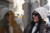 Me puse un gorro y una sonrisa, y salí a ser feliz (Ester Arrebola Bravo) Tags: yo portrait barcelona