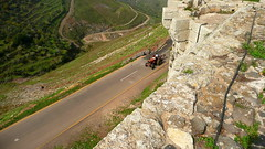 A Look on Syria's Countryside (Eye of Brice Retailleau) Tags: chemin colourful composition countryside earth extérieur local outdoor path people route rural scenery scenic street road travel angle perspective landscape life tractor middle east syria krakdeschevaliers peace syrie