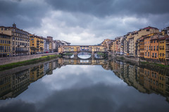 Ponte Vecchio (Raúl Podadera Sanz) Tags: pontevecchio ponte vecchio bridge florence florencia italia italy clouds landscape city cityscape reflection reflejos colours colores casas house