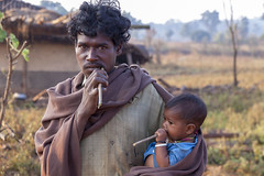 Kawardha - Chhattisgarh - India (wietsej) Tags: kawardha chhattisgarh india minoltadynax7 7d konica minolta digital camera tamronspaf1750mmf28xrdiiildaspif 1750 man child father son tooth brush portrait tribal rural village wietse jongsma bhoramdeo