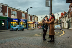 Newport Pagnell (PhredKH) Tags: canon canoneos5dmkiii canonphotography fredkh photosbyphredkh phredkh splendid streetphotography people newportpagnell buckinghamshire outdoorphotography streetscene englishtown road cars buildings peoplewatching peopleonthestreet