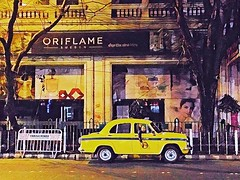 #Passionpassport #natgeo #cnntravel #explore #ourplanetdaily #yourshot #bbctravel #travelandleisure #gettyimages #india #rammahajan #kolkata #night #streetphotography (rammahajan7) Tags: passionpassport natgeo cnntravel explore ourplanetdaily yourshot bbctravel travelandleisure gettyimages india rammahajan kolkata night streetphotography
