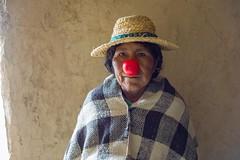 Comunidad Uru de Oruro (Oxfam en Bolivia) Tags: fundacion red nose oruro uru idiomas sombrero campo mujer mujeres niño niños retrato cara creación creacion creando arte artista artistas teatro actor actores actriz actrices actuando actuar