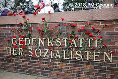 Demonstration: Liebknecht Luxemburg Demonstration 2018 – 14.01.2018 – Berlin -  IMG_8467 (PM Cheung) Tags: berlin 14012018 lldemo ypg ypj volksverteidigungseinheiten frauenverteidigungseinheiten repressionhattraditionwiderstandauchmournforthedead fightlikehellfortheliving nea antifa liebknechtluxemburggedenkdemonstration2018 pomengcheung liebknechtluxemburg 2018 jugendwiderstandjw stalinismus kpd pmcheung lldemo2018 lenin stalin rosaluxemburg karlliebknecht kpdführer gedenken protest gedenkdemonstration zentralfriedhoffriedrichsfelde sozialistenführer roteraufbauhamburg kommunistischenparteideutschlandskpd mengcheungpo polizei dielinke kranzniederlegung llldemo2018 liebknechtluxemburgdemonstration2018 imperialismus nato sdaj antifablock antifaschistischerinternationalistischerblock liebknechtluxemburg2018 facebookcompmcheungphotography bundeswehreinsatzsyrien atlanticresolve franzmehring rassismus rechtsruck afd rechtspopulismus johnschehr ernstthälmann erichweinert friedrichwolf willibredel spartakusaufstand nationalsozialismus freikorpssoldaten 99todestag kommunistenführer kurdistan kurden pkk