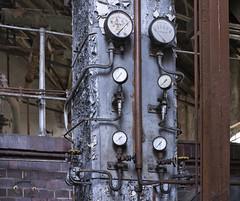 Das kleine Kraftwerk (6) (david_drei) Tags: abandoned kraftwerk powerplant powerhouse powerstation decay lostplace technik steampunk
