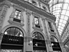 Prada - Milano (Otherwise_m) Tags: prada galeries gallery galería moda fashion shop shopping glamour milano milan canon canonphotography italy italie italia building architecture art photography photoshoot sx620hs travel travelling voyage voyages