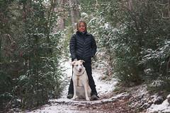Por los senderos de Oroel (Alberto Lacasa) Tags: lena jaca chenia mountains outdoor snow pirineos trees 50mm arboles pet pyrenees parador dog oroel aragon nevada trekking nieve mountain