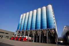 Red, white & blue (Edwin Verhulst) Tags: netherlands limburg colors blue white red truck silo elsloo stein park business logistic limpens