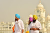 The group (Make our PLANET great again !) Tags: inde india punjab amritsar templedor goldentemple gens people sikhs matin morning blanc white couleurs colors turbans nikon bâtiment building horloge clock