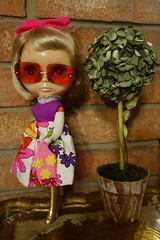 What suits her best... (Primrose Princess) Tags: takara blythe doll hollywood bl hollywoodblythe retro mod chic style dollydreamland primroseprincess vintagefashion vintageaccessories vintage